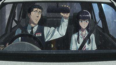 車に乗り込むあきらと店長